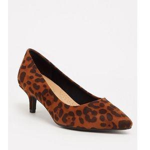 Brand new leopard print pointed toe kitten heel